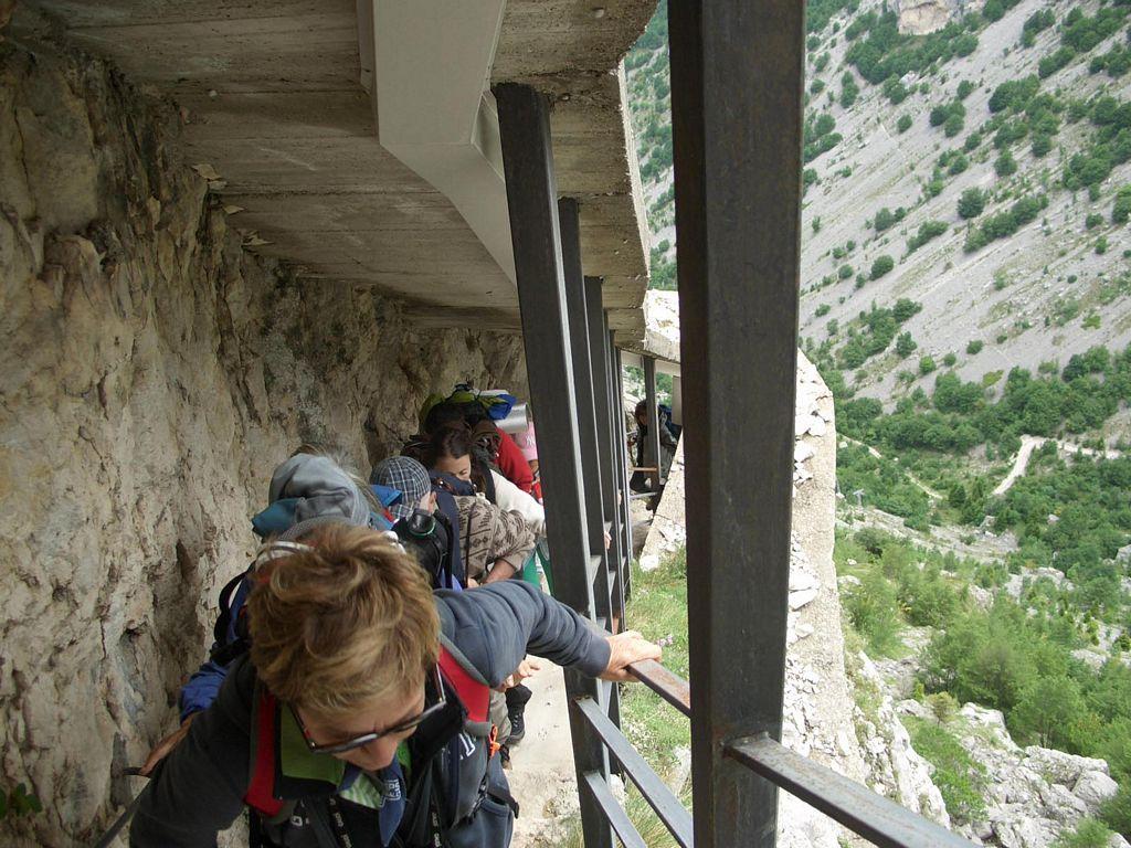 13_ingresso_grotta_cavallone.jpg